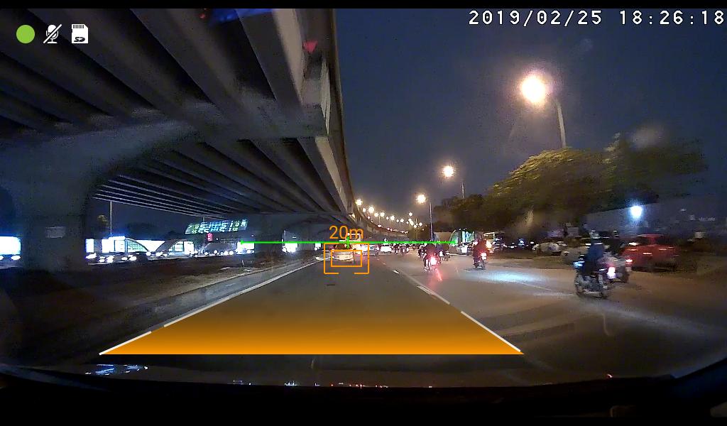 Đầu android C960 hỗ trợ camera hành trình cảnh báo va chạm, chệch làn