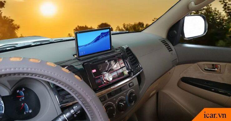 Cách biến máy tính bảng thành màn hình ô tô