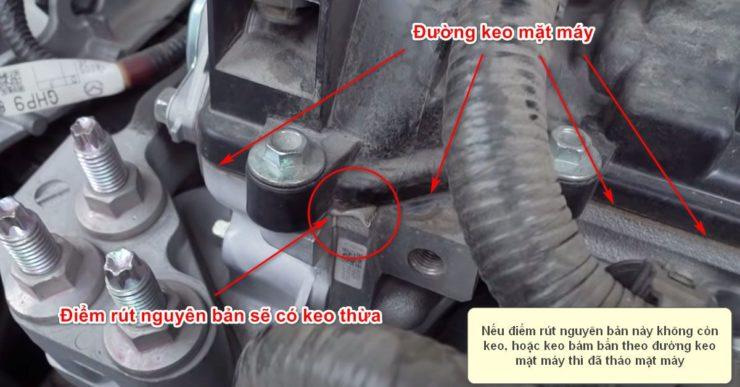 Kiểm tra điểm rút keo nguyên bản của mặt máy động cơ ô tô