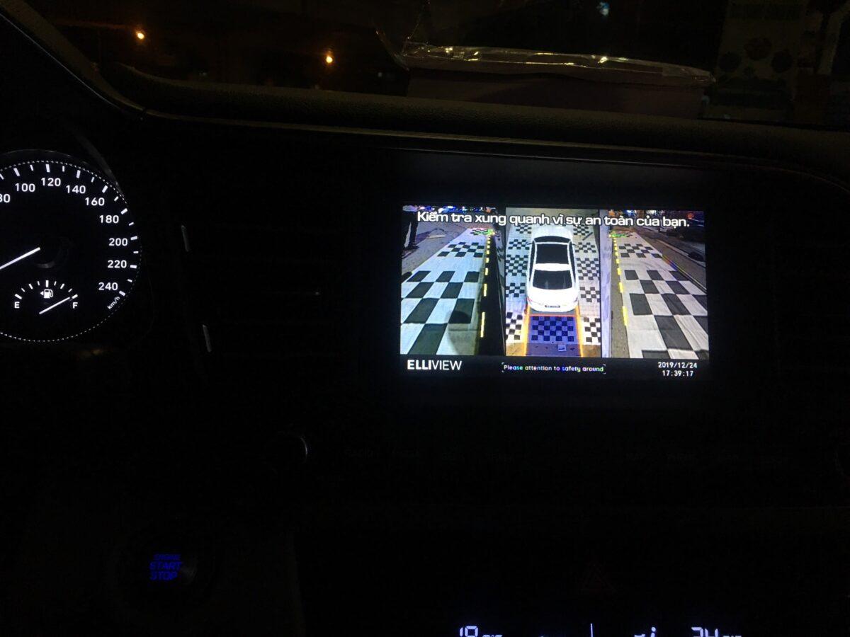 Hyundai Santafe 2020 lắp camera 360 Elliview V4 tại Lốp Thi Đen - Hà Nội