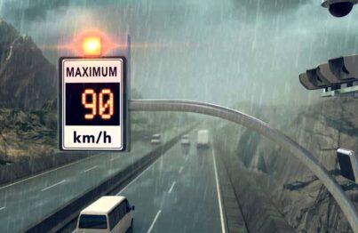 Vận tốc xe tối đa khi trời mưa?