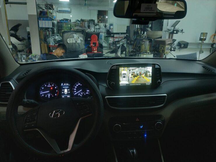 Camera 360 xe Hyundai Tucson hiển thị đánh lái tiến