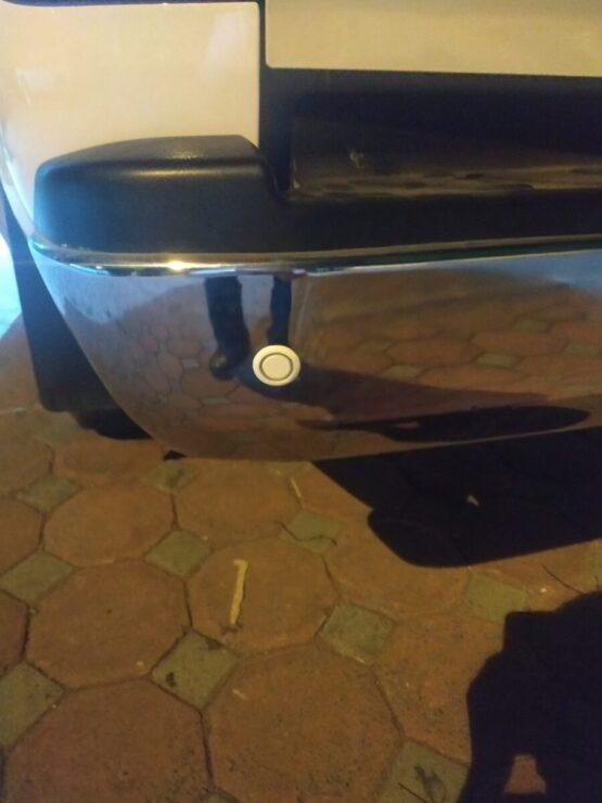 Lắp cảm biến lùi hỗ trợ đỗ xe Nissan Navara