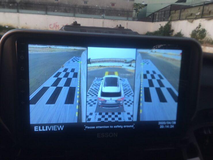 Camera 360 Elliview xe Hyundai Tucson hiển thị khi Dừng khẩn cấp