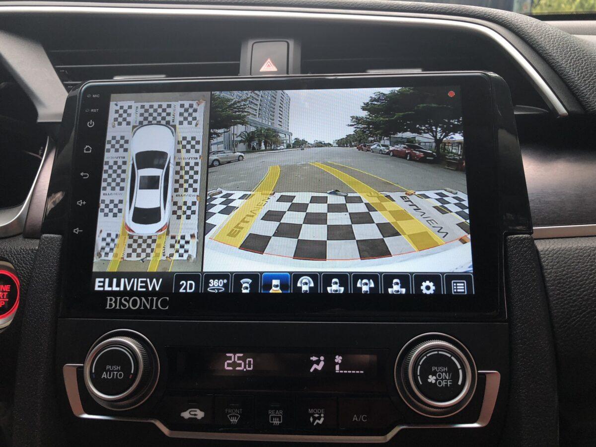 Hiển thị đánh lái vô lăng khi lùi xe Honda Civic trên Camera 360