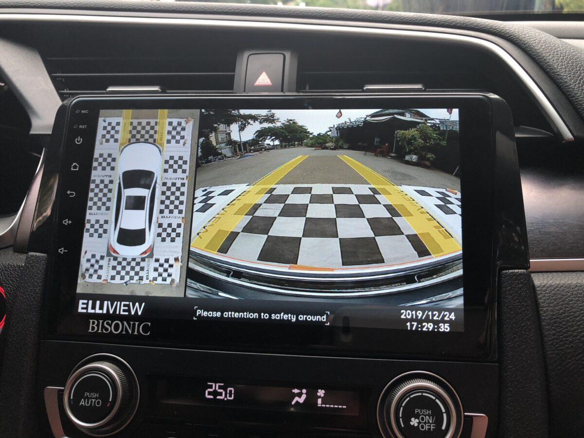 Hiển thị vô lăng tiến xe Honda Civic lắp camera 360