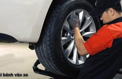 Bước 9: Lắp lại lốp vào xe