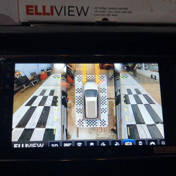 KIA Sedona lắp camera 360 Elliview