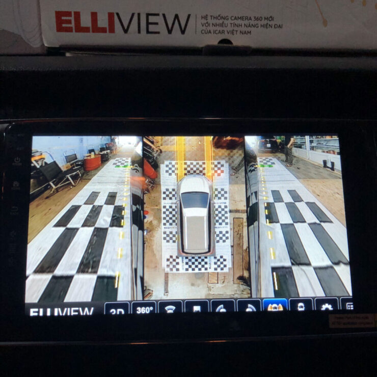 KIA Sedona lắp camera 360 ICAR