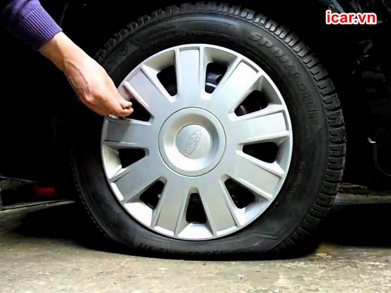 Sự cố nổ lốp do áp suất lốp không đạt tiêu chuẩn