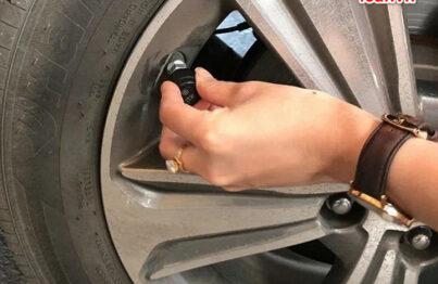 Lắp cảm biến áp suất lốp cho xe ô tô