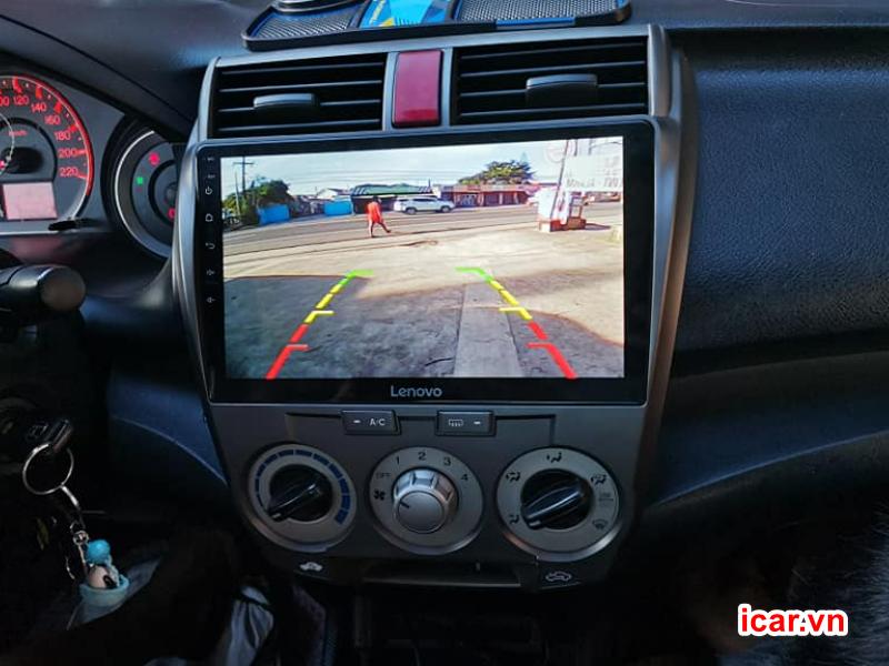Tích hợp camera qua màn hình ô tô Android
