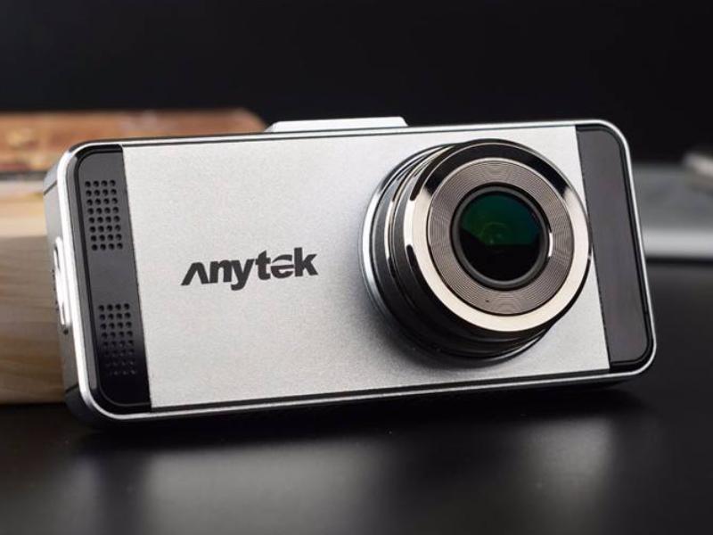 Camera hành trình Anytek với thiết kế đẹp mắt