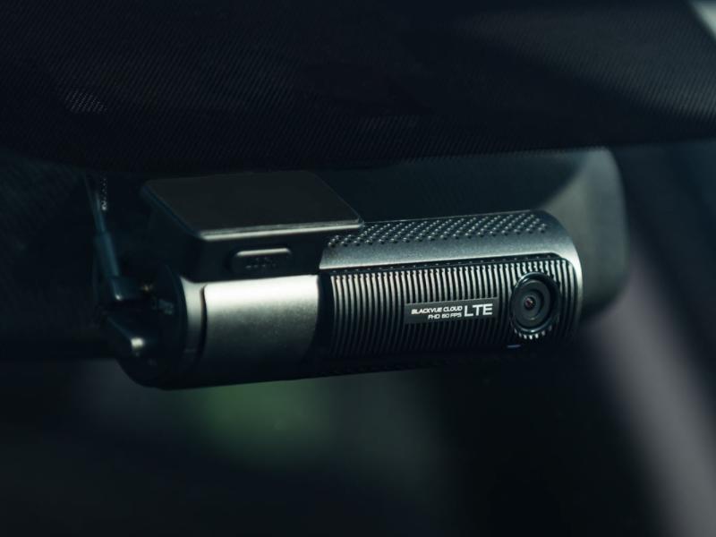 Camera hành trình Blackvue với thiết kế nhỏ gọn