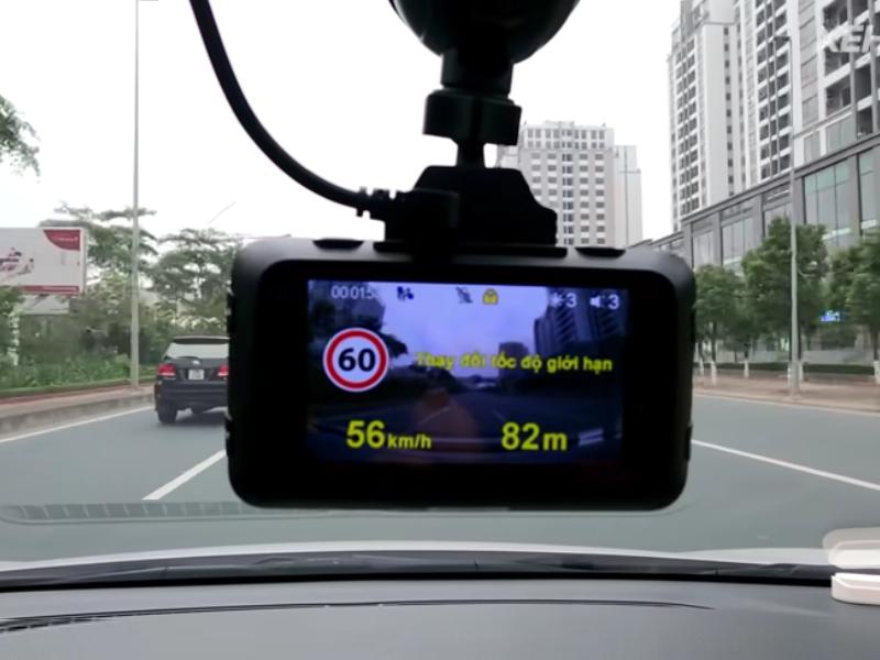 Camera hành trình Webvision tích hợp đa tính năng