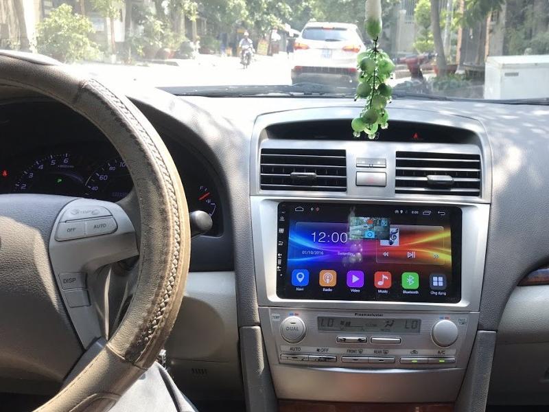 màn hình ô tô camry
