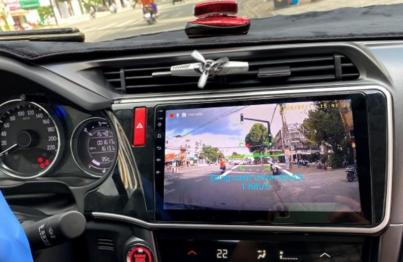 màn hình ô tô carfu