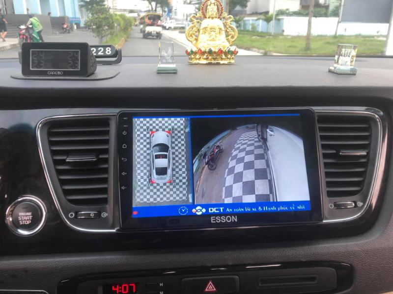 màn hình ô tô esson