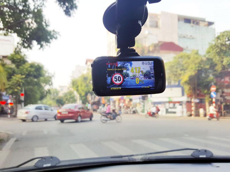 Camera theo dõi hành trình giúp lái xe kiểm soát tốc độ cho phép