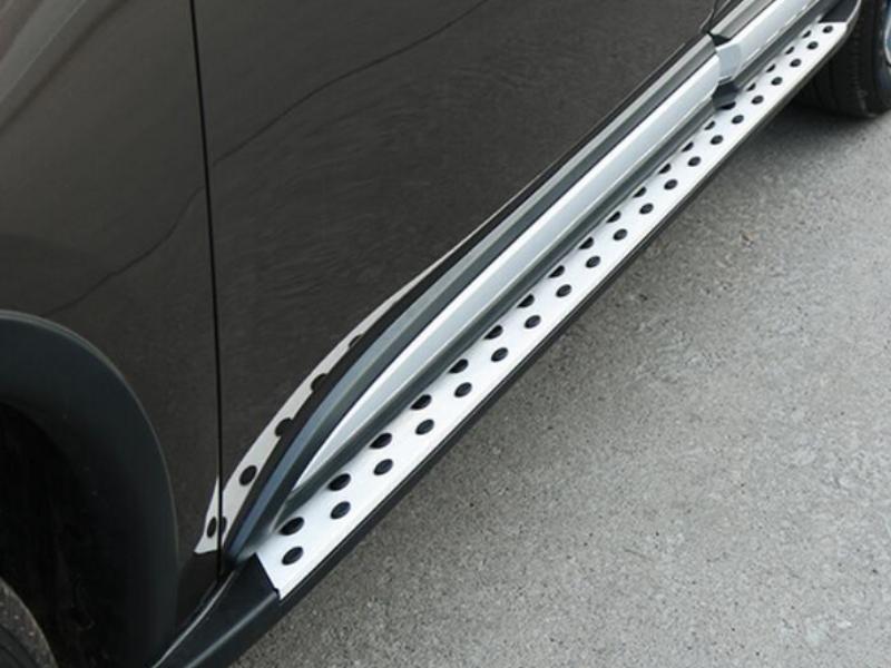 bậc lên xuống CX5 tạo sự cân đối, tính thẩm mỹ cho xe