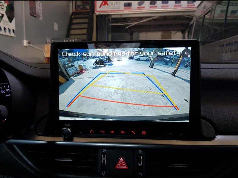 Camera lùi rất hữu ích cho những lái xe chưa có kinh nghiệm