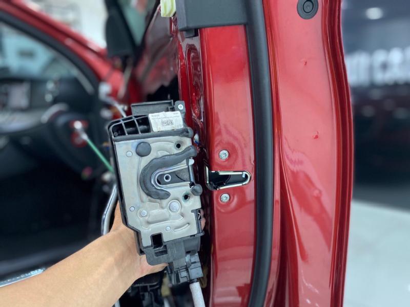 Cửa hít ô tô đảm bảo an toàn cho mọi thành viên trên xe