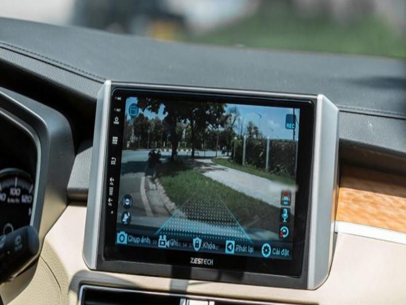 Màn hình DVD Zestech chỉ đường định vị nơi đến giúp lái xe an toàn