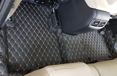 Trải sàn da ô tô với thiết kế đẹp mắt