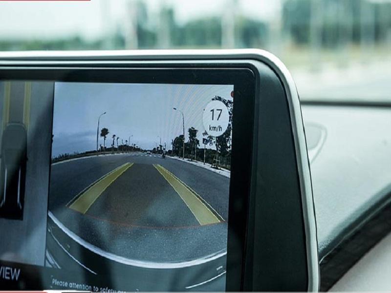 Camera toàn cảnh 360 Elliview V4 hiển thị tốc độ thực mà xe chạy