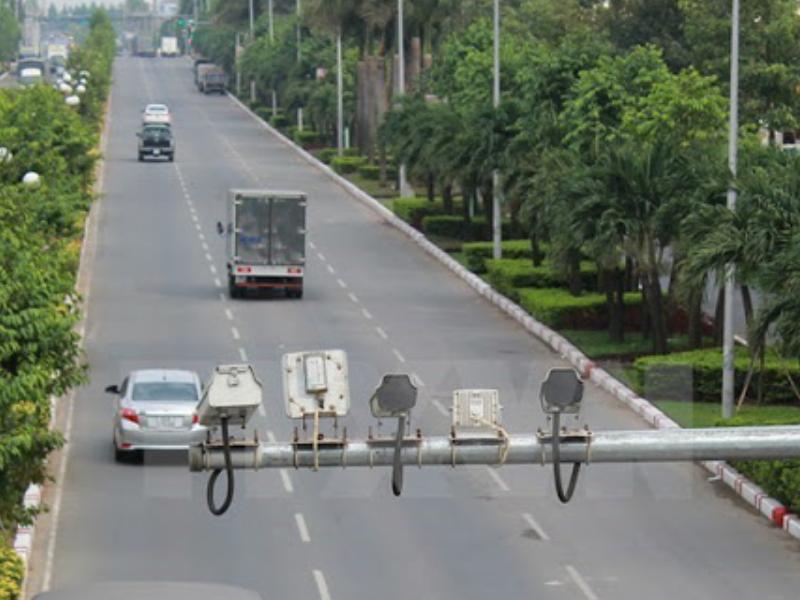 Máy bắn tốc độ được lắp đặt ở những đoạn đường cao tốc
