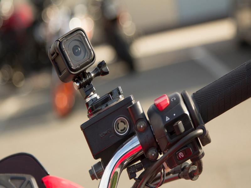 Camera hành trình dành cho xe máy là sản phẩm yêu thích của những người thích phượt