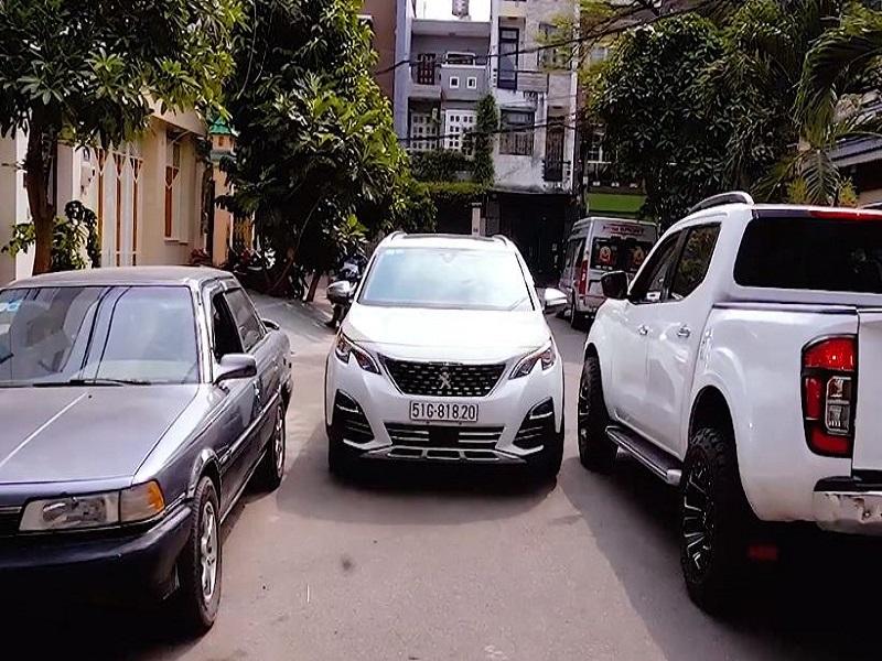 Lắp camera 360 cho ô tô dễ dàng di chuyển phương tiện ở những đoạn đường hẹp