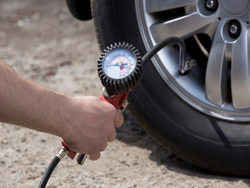 Không phải lúc nào cũng có thể theo dõi áp suất lốp xe