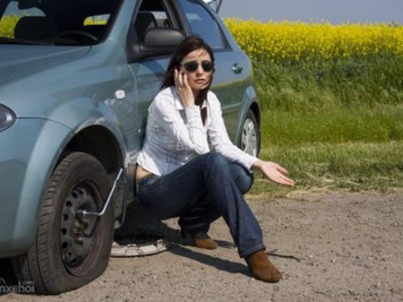 Lốp thiếu hơi chính là thời khắc phù hợp để sử dụng bơm điện ô tô