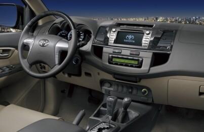 Tự tin tạo ra một hệ thống nội thất ô tô sau khóa học thành nghề