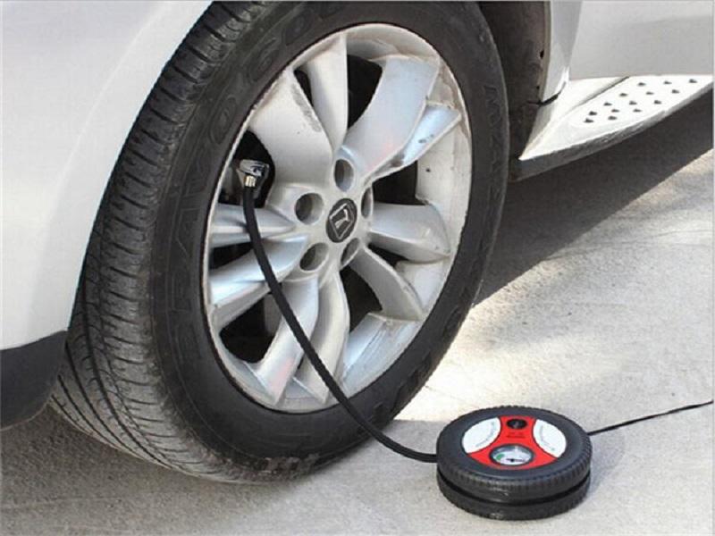 Bơm điện ô tô là công cụ hữu hiệu sử dụng trong trường hợp không có lốp dự phòng