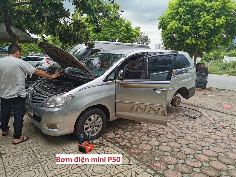 Với nguồn điện linh động bơm điện ô tô mini iPress P50 sử dụng được ở tất cả mọi nơi