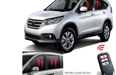 Sử dụng gập gương lên kính là giải pháp bảo vệ an toàn cho xe