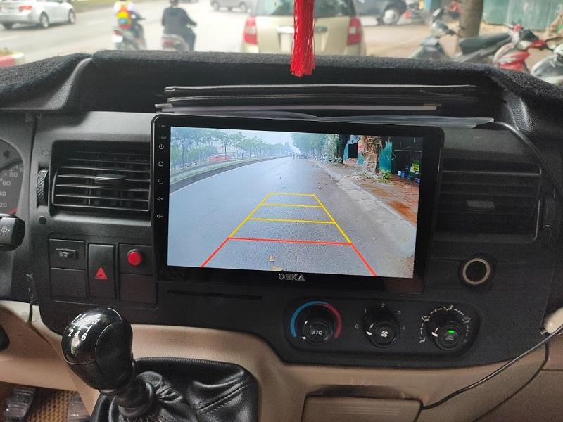 Màn hình xe tải hỗ trợ hiển thị hình ảnh của camera lùi
