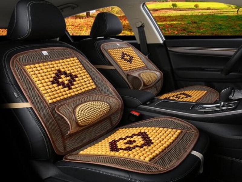 Lót ghế hạt gỗ như vật phẩm trang trí và phong thủy cho không gian xe