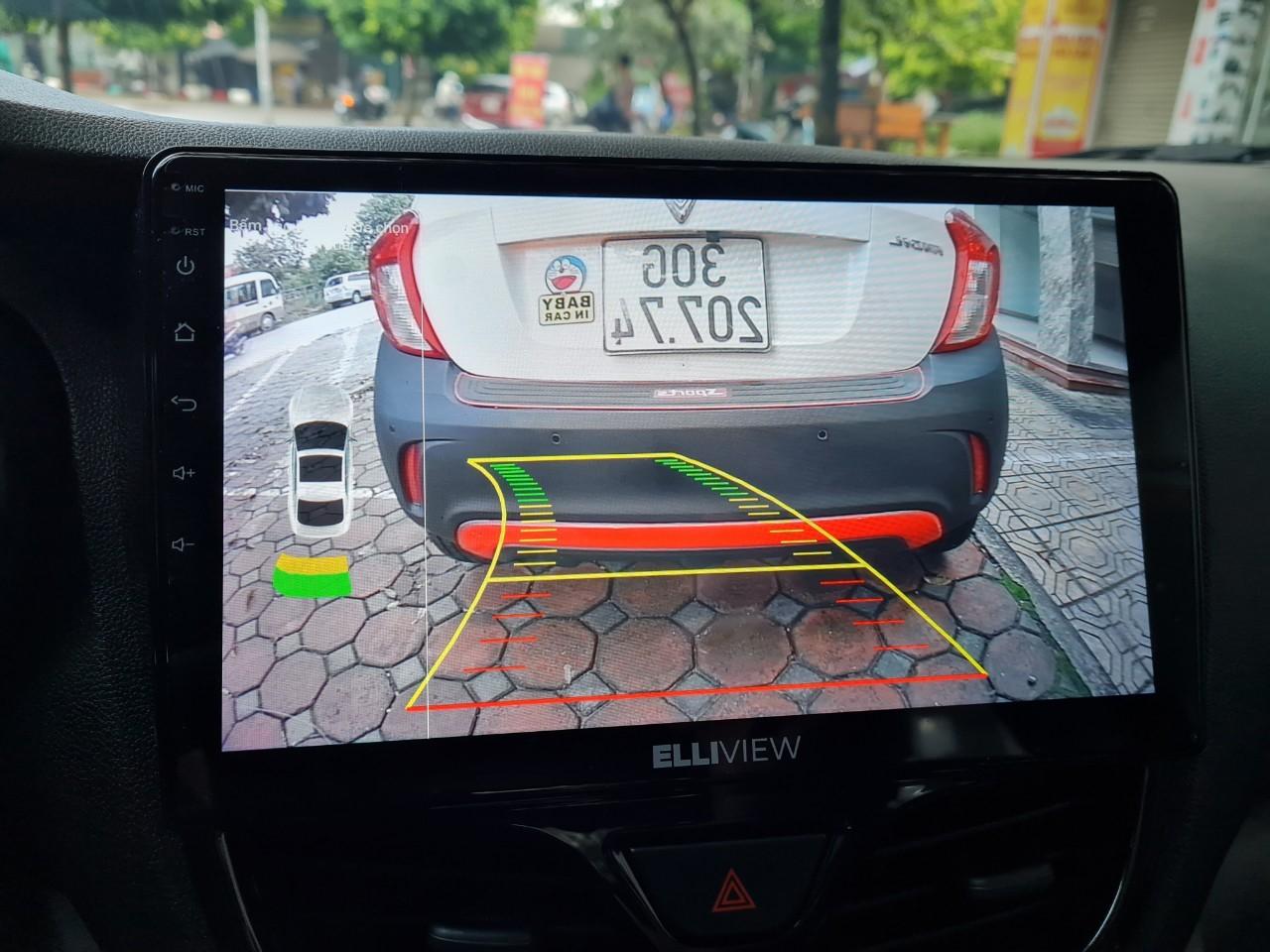 Cam lùi AHD siêu nét và cảm biến đỗ xe Ellisen trên màn hình Elliview U4